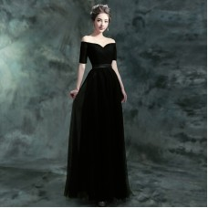 Black Short Sleeve Deep V-Collar Bride's Wedding Garment